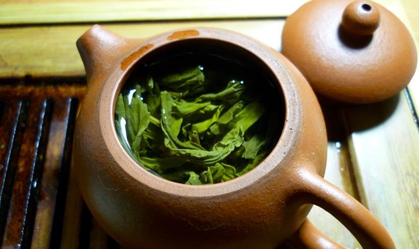 茶道の道具で必須な帛紗(ふくさ)の役割や使い方を解説!