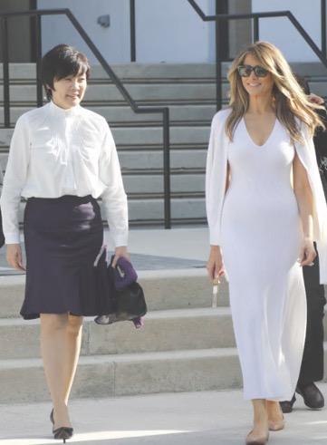 昭恵夫人のドレスがダサい?スカート丈は昔からミニで生足【画像】